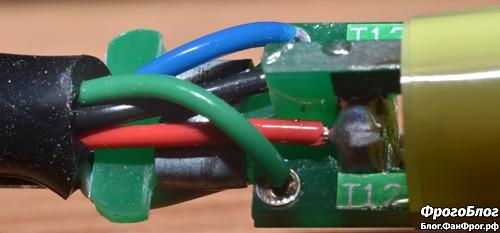 Паяльная станция Dsk T12-D OLED - провода внутри паяльника, макро